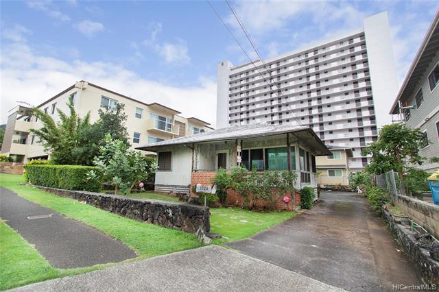 Photo of home for sale at 1729 Keeaumoku Street, Honolulu HI