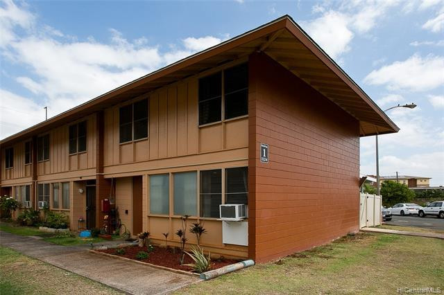 Photo of home for sale at 1124 Hoola Place, Pearl City HI
