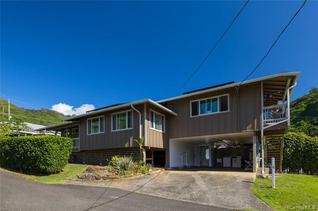 Photo of home for sale at 2325 Palolo Avenue, Honolulu HI