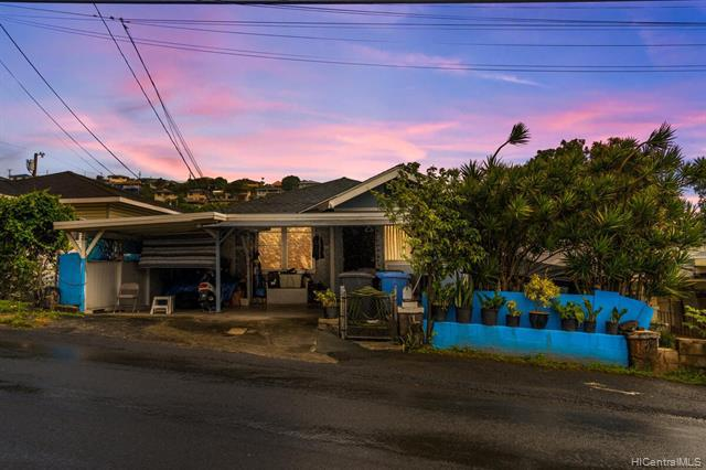 Photo of home for sale at 1835 Houghtailing Street, Honolulu HI