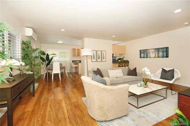 Photo of home for sale at 1017 Spencer Street, Honolulu HI
