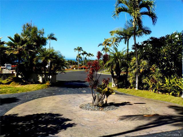 Photo of home for sale at 78-6957 Kiaaina Street, Kailua-Kona HI
