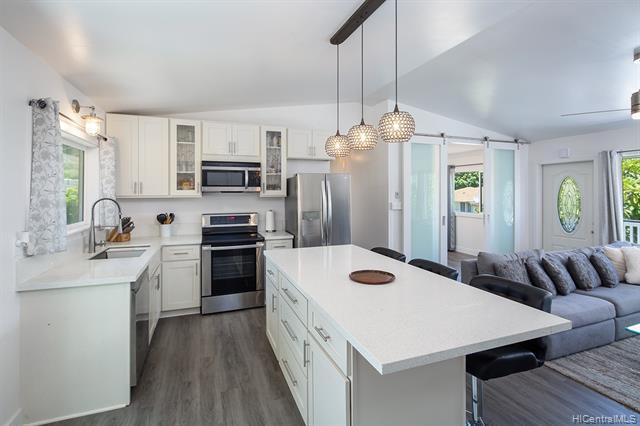 Photo of home for sale at 614 Hunalewa Street, Honolulu HI