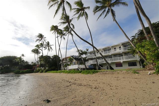 Photo of home for sale at 5525 Kalanianaole Highway, Honolulu HI