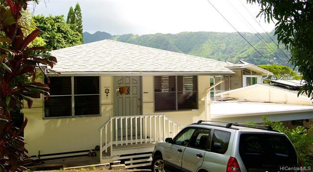 Photo of home for sale at 2871 Manoa Road, Honolulu HI