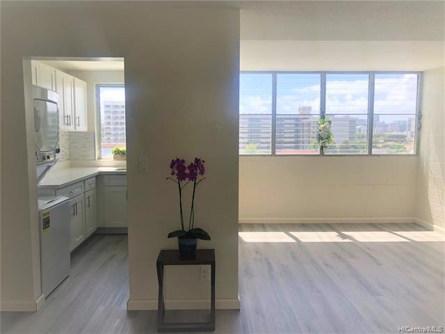Photo of home for sale at 1555 Pohaku Street, Honolulu HI