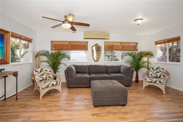 Photo of home for sale at 92-831 Makakilo Drive, Kapolei HI