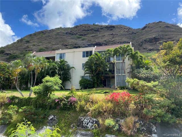 Photo of home for sale at 420 Haleloa Place, Honolulu HI