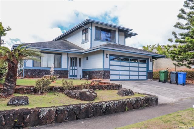 Photo of home for sale at 95-1030 Alakaina Street, Mililani HI