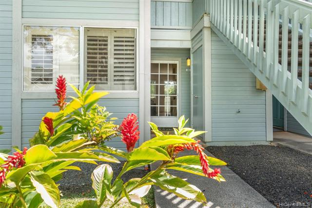 Photo of home for sale at 95-786 Wikao Street, Mililani HI