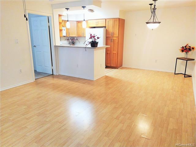Photo of home for sale at 95-270 Waikalani Drive, Mililani HI