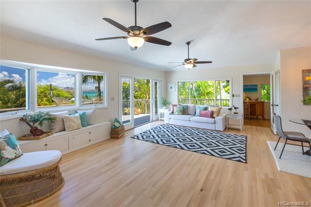 Photo of home for sale at 589 Kawailoa Road, Kailua HI
