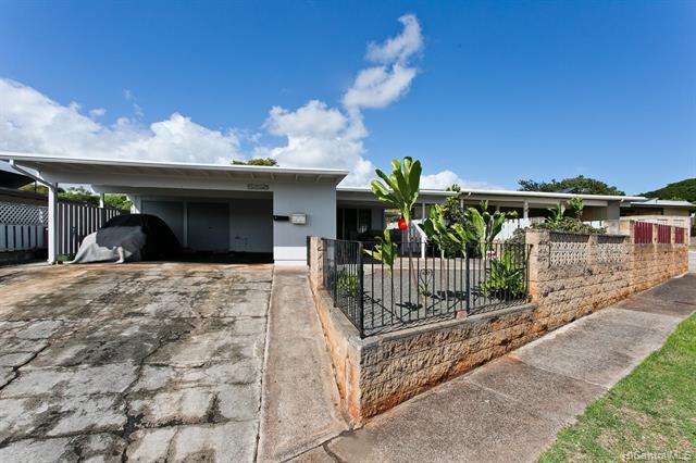 Photo of home for sale at 94-181 Kapuahi Place, Mililani HI