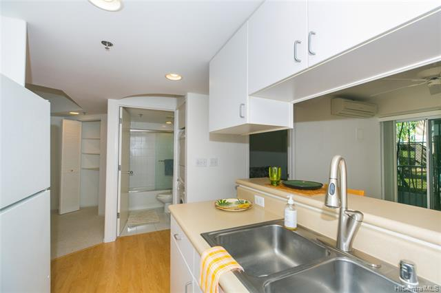 Photo of home for sale at 949 Prospect Street, Honolulu HI