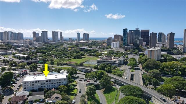 Photo of home for sale at 112 School Street S, Honolulu HI