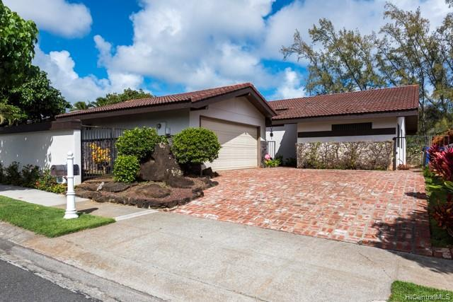 Photo of home for sale at 7802 Makaaoa Place, Honolulu HI