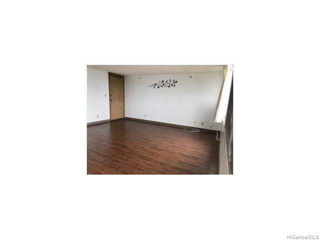 Photo of home for sale at 1060 Kamehameha Highway, Pearl City HI