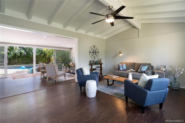 Photo of home for sale at 1010 Mokapu Boulevard, Kailua HI