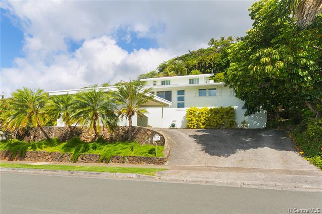 Photo of home for sale at 4784 Analii Street, Honolulu HI