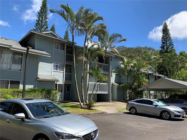 Photo of home for sale at 95-532 Wikao Street, Mililani HI