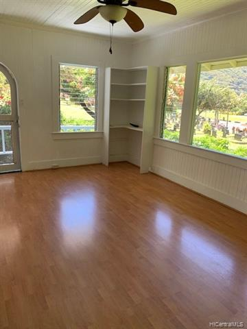 Photo of home for sale at 3476 Manoa Road E, Honolulu HI