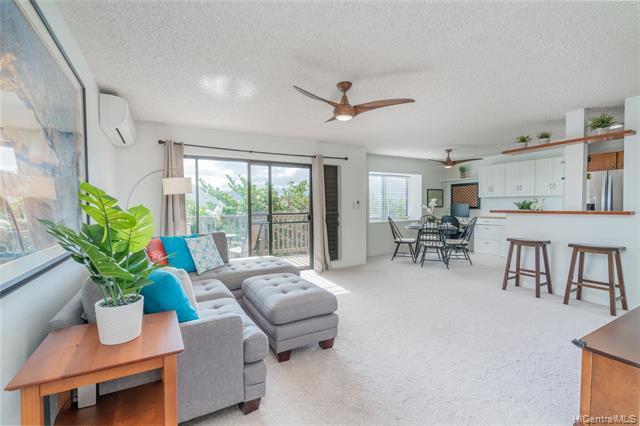 Photo of home for sale at 46-049 Aliianela Place, Kaneohe HI