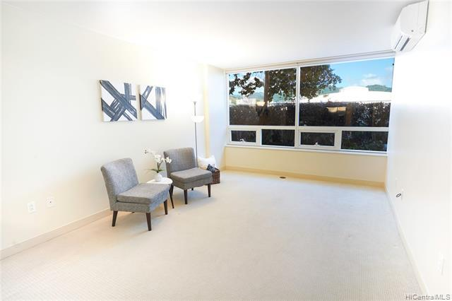 Photo of home for sale at 909 Kapiolani Boulevard, Honolulu HI
