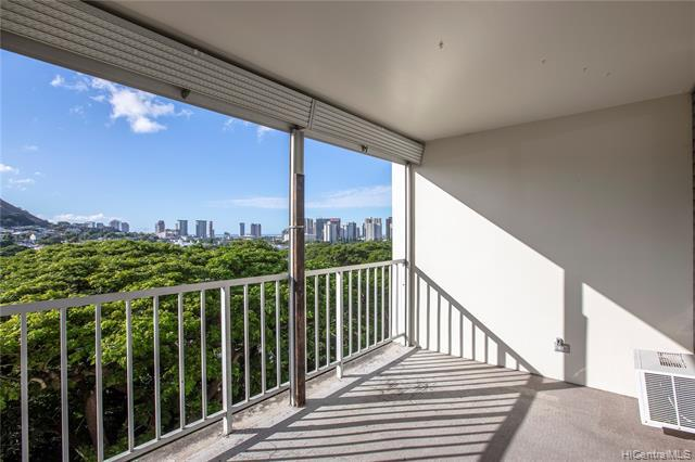 Photo of home for sale at 2029 Nuuanu Avenue, Honolulu HI