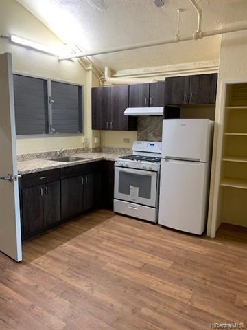Photo of home for sale at 98-020 Kamehameha Highway, Aiea HI