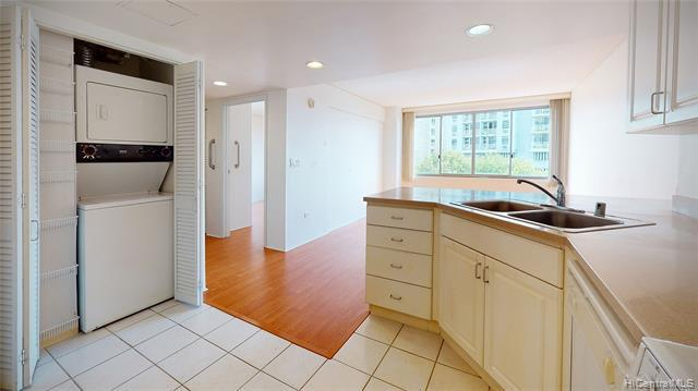 Photo of home for sale at 1314 Kalakaua Avenue, Honolulu HI
