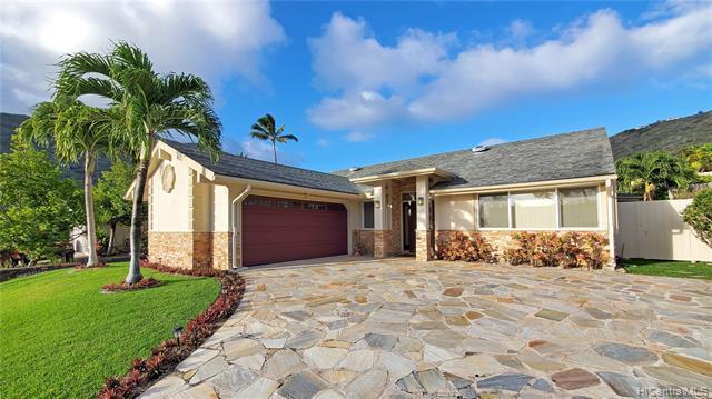 Photo of home for sale at 1023 Wainiha Street, Honolulu HI