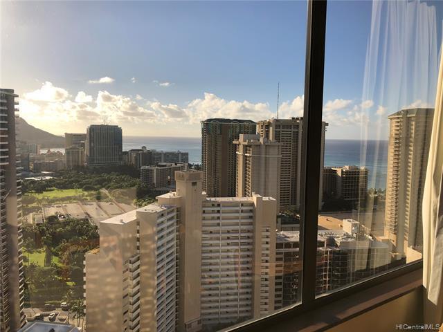 Photo of home for sale at 411 Hobron Lane, Honolulu HI