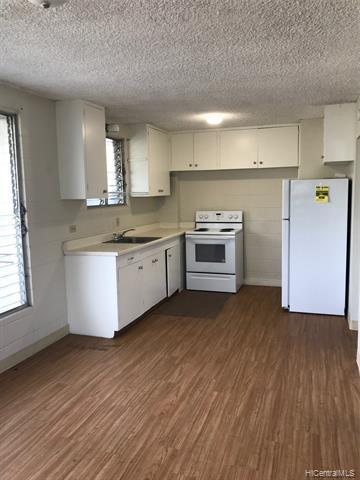 Photo of home for sale at 1409 Kinau Street, Honolulu HI