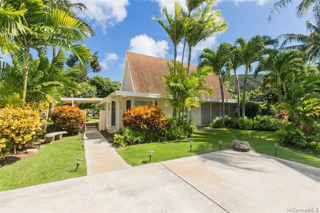 Photo of home for sale at 438 Portlock Road, Honolulu HI
