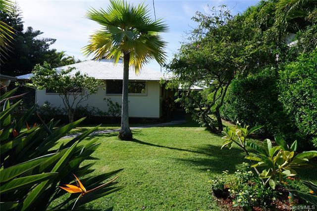 Photo of home for sale at 1522 Piikea Street, Honolulu HI