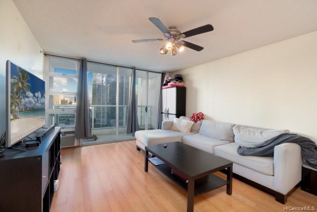 Photo of home for sale at 1133 Waimanu Street, Honolulu HI