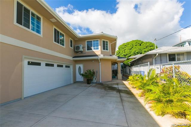 Photo of home for sale at 2240A Metcalf Street, Honolulu HI