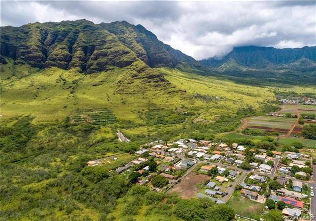 Photo of home for sale at 85-731 Piliuka Place, Waianae HI