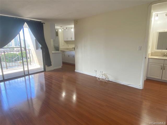 Photo of home for sale at 1415 Liholiho Street, Honolulu HI