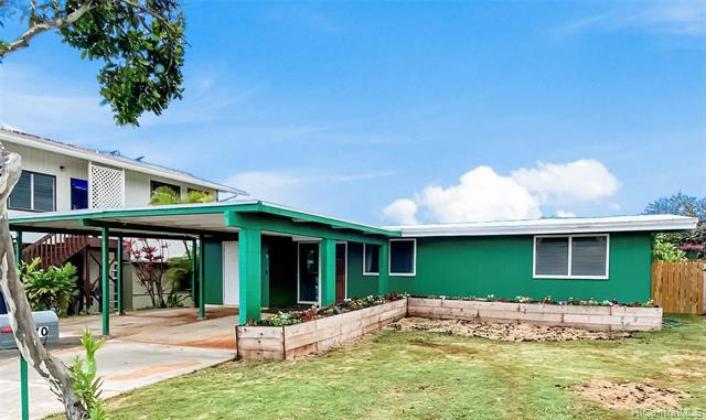 Photo of home for sale at 2170 Aamanu Street, Pearl City HI