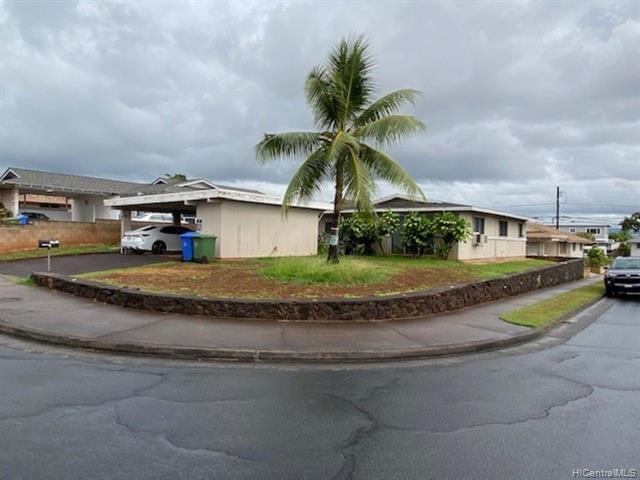 Photo of home for sale at 1413 Kaumoli Street, Pearl City HI