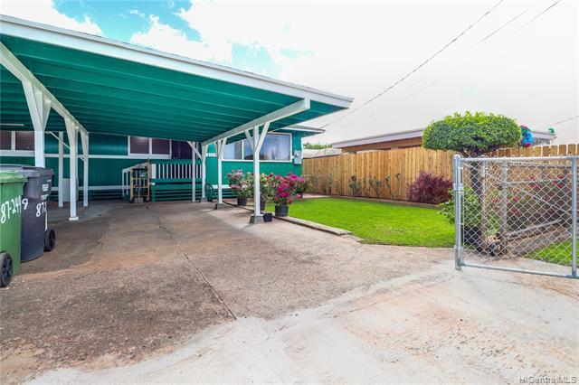 Photo of home for sale at 87-249 Mikana Street, Waianae HI