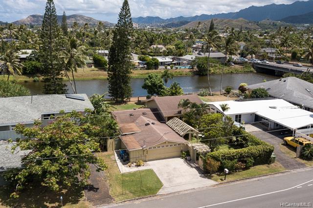 Photo of home for sale at 1258 Mokapu Boulevard, Kailua HI