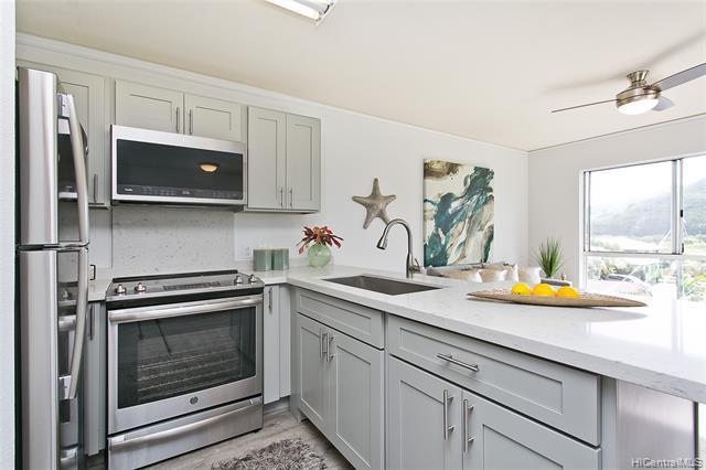 Photo of home for sale at 711 Wailepo Place, Kailua HI
