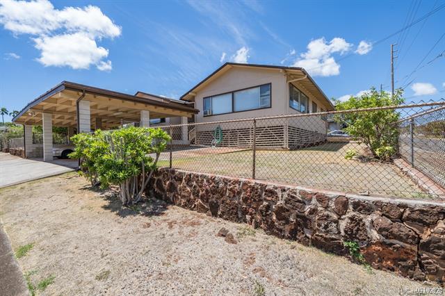 Photo of home for sale at 3765 Harding Avenue, Honolulu HI