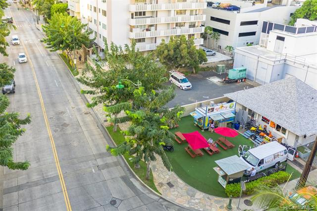 Photo of home for sale at 208 Kapuni Street, Honolulu HI
