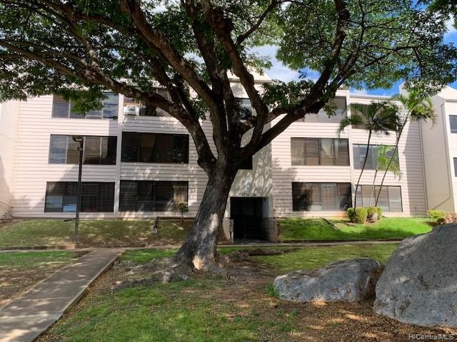 Photo of home for sale at 87-118 Helelua Street, Waianae HI
