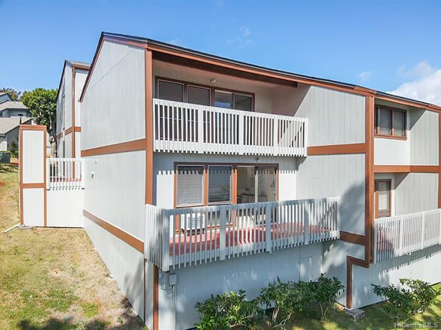 Photo of home for sale at 98-1099 Komo Mai Drive, Aiea HI