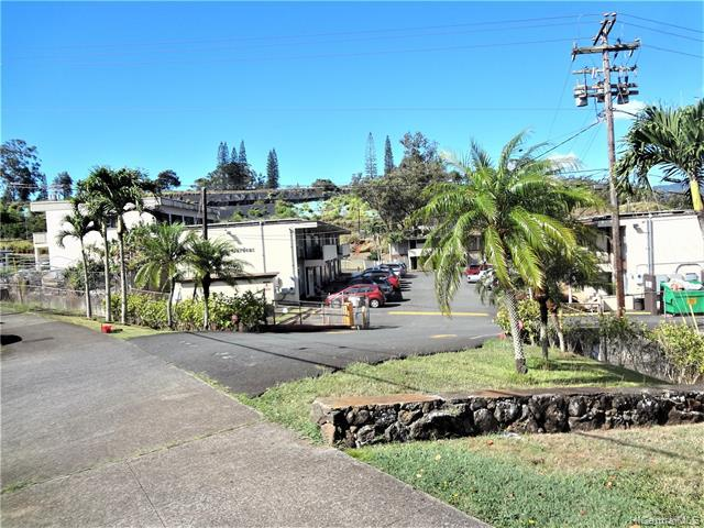Photo of home for sale at 95-024 Waihau Street, Mililani HI
