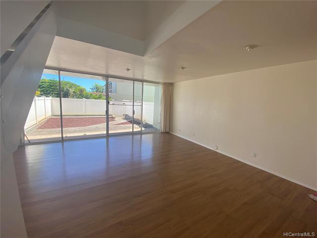 Photo of home for sale at 95-128 Kipapa Drive, Mililani HI